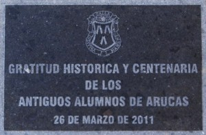 Placa en gratitud al Centro de los Antiguos Alumnos de Arucas