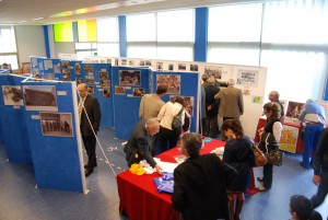 Visita a la exposición fotográfica el Día del Antiguo Alumno